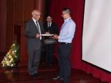 Primer premio - Julián Noguera y rector Padre Javier Herrán (2)