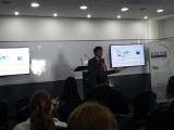 El Dr. Luis Bengochea presentando la historia de la red ESVI-AL y los premios ESVI-AL